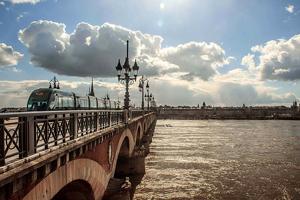Le Pont de Pierre à Bordeaux